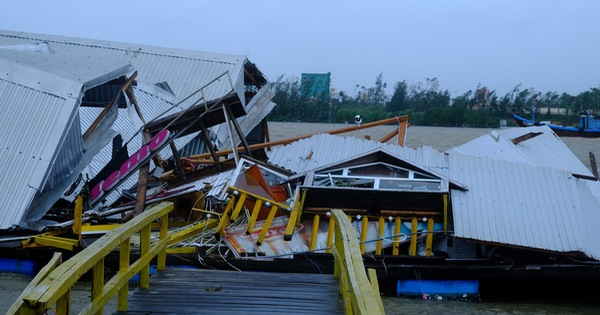 Tan tành làng nhà hàng bè nổi sầm uất ở tâm bão số 9