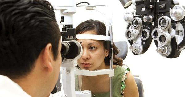 Khám mắt bằng AI giúp phát hiện sớm bệnh Parkinson