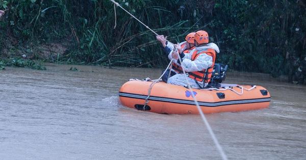 Tìm kiếm 2 nạn nhân mất tích trong chuyến đi rừng Bidoup - núi Bà gặp khó