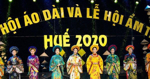 Người dân Huế dầm mưa lạnh xem biểu diễn áo dài