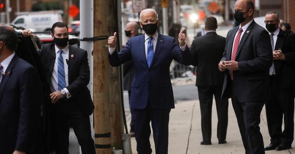 Video: Ông Joe Biden xuất hiện với nẹp chân, đi lại bình thường