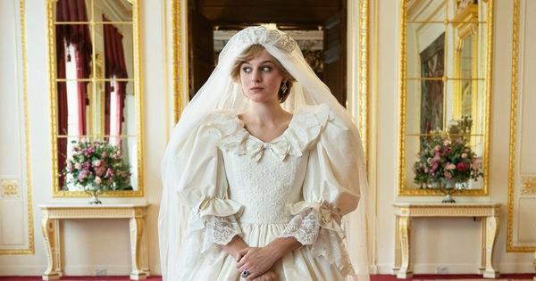 Hoàng quyền - The Crown: Một Hoàng gia Anh đặc sắc và sai sự thật?
