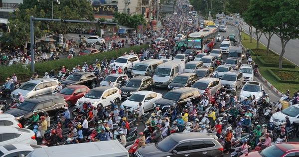 Khởi động lộ trình hạn chế xe cá nhân, thu phí ôtô vào trung tâm TP
