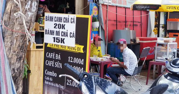 Nhiều quán ăn, cà phê vỉa hè lách quy định, vẫn mở cửa đón khách