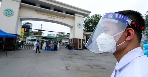Nhắn tin yêu cầu 18.000 người đã khám bệnh ở Bạch Mai thực hiện cách ly