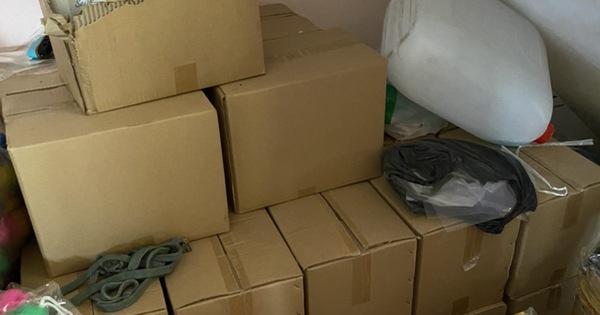 Bắt quả tang hộ dân tái chế hàng chục ngàn khẩu trang cũ bán ra thị trường