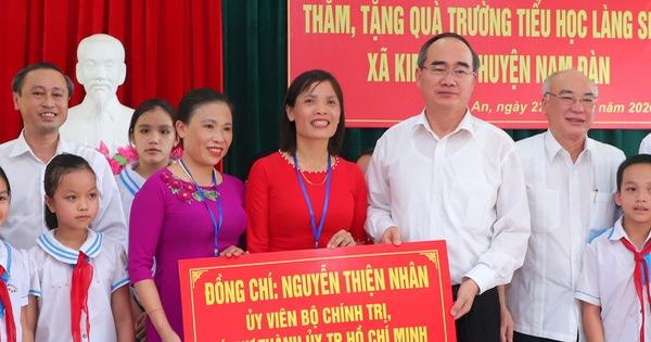 Khánh thành nhà trưng bày bổ sung và nhà bái đường quê hương Chủ tịch Hồ Chí Minh