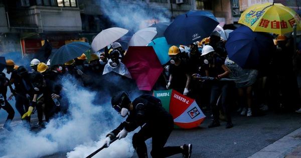 Phe ủng hộ dân chủ ở Hong Kong hẹn biểu tình lớn vào trưa nay