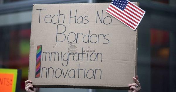 Doanh nghiệp Mỹ xin tổng thống đừng chặn lao động nước ngoài