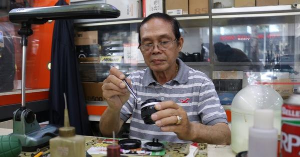 Gần nửa thế kỷ 'chữa bệnh' cho máy ảnh phim ở Sài Gòn