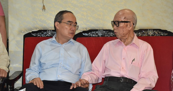 Bí thư Nguyễn Thiện Nhân thăm, mừng thọ người cao tuổi