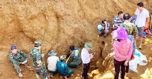 Tìm thấy hố chôn tập thể 17 chiến sĩ đặc công ở sân bay Khâm Đức