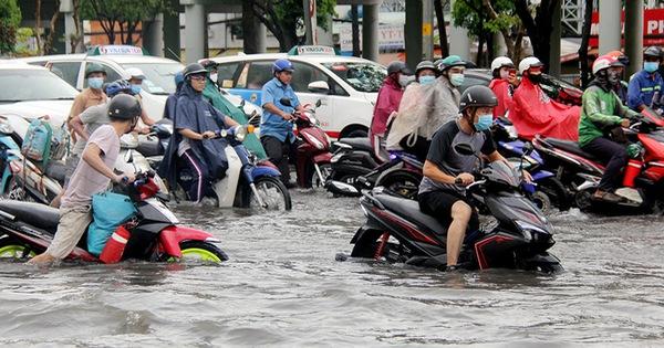 Tháng 4-2021, ''rốn ngập'' ở đường Nguyễn Hữu Cảnh hết ngập?