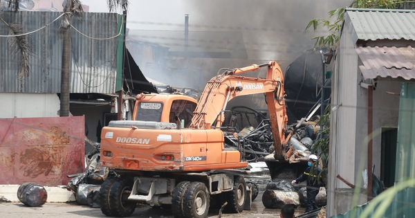 Vụ cháy kho hóa chất ở Long Biên: Có dấu hiệu sản xuất hóa chất ''chui''