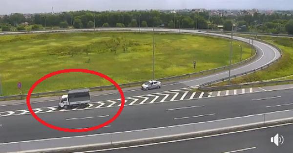 Nữ tài xế đi lùi xe tải hơn 1km trên cao tốc Hà Nội – Hải Phòng