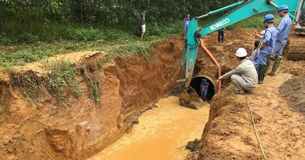 Giữa nắng nóng đỉnh điểm, nước sạch Sông Đà thông báo dừng cấp nước vì vỡ đường ống