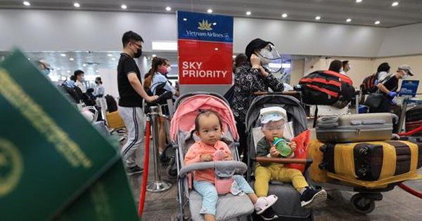 ''Chuyến bay đặc biệt'' chở hơn 280 người Việt Nam từ Nga về Cần Thơ