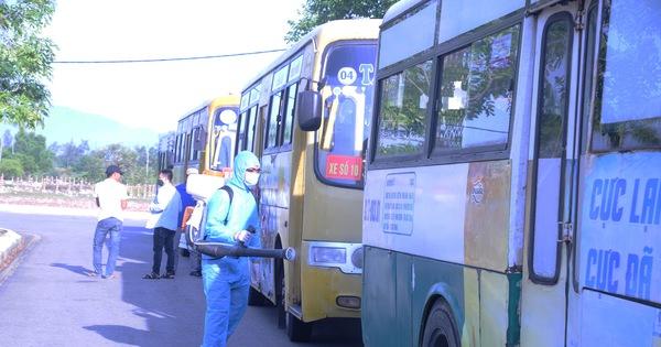 Tìm người đi cùng xe buýt với bệnh nhân Covid-19 tại Quảng Nam