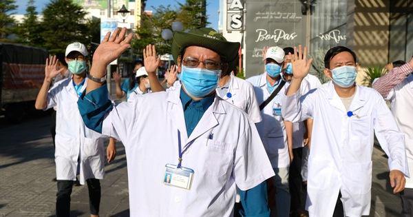 Sở Y tế TP.HCM cử đoàn 8 y bác sĩ chi viện Đà Nẵng