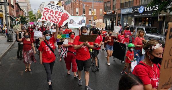 New York lùi khai giảng đến 21-9 sau khi đạt thoả thuận mở cửa trường học