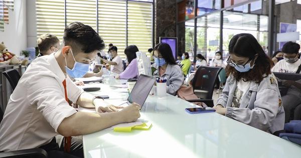 Tăng chỉ tiêu xét điểm thi tốt nghiệp THPT, thí sinh không nên vội bỏ nguyện vọng