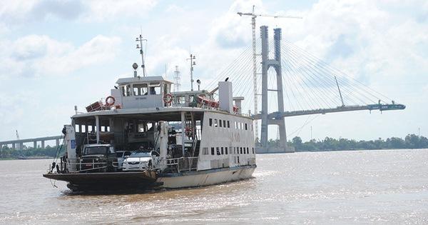 Trăm năm  lái phà đưa đón khách sang sông