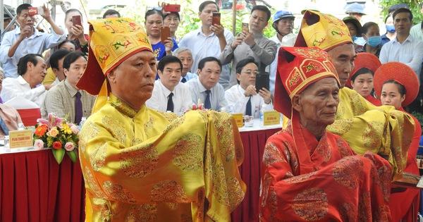 200 năm ngày mất Nguyễn Du: 'Mỗi tấm lòng đều nghiêng mình trước một thi hào uyên bác'