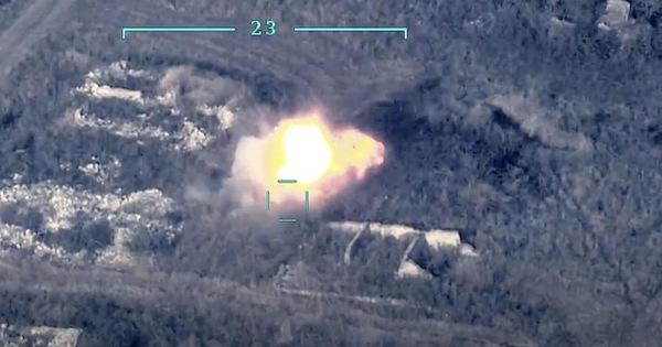 Azerbaijan tuyên bố phá hủy hệ thống phòng không S-300 và 130 xe tăng Armenia
