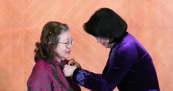 Tác giả vắc xin ngừa viêm não Nhật Bản B nhận danh hiệu Anh hùng Lao động