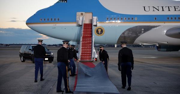 Ông Trump đã đến sân bay Andrews, chuẩn bị lễ chia tay