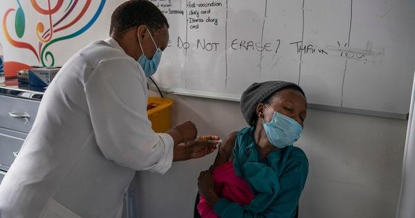 Các nhà sản xuất vắc xin tính toán nâng cấp phiên bản phòng ngừa biến thể virus