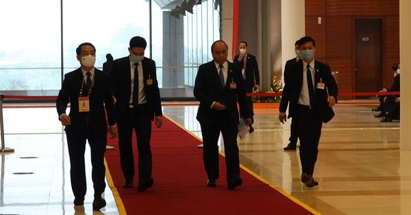 Hai ổ dịch COVID-19 mới ghi nhận ban đầu hơn 80 ca, Thủ tướng họp khẩn
