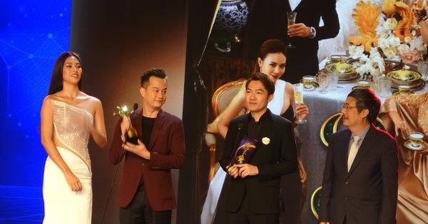 'Gái già lắm chiêu' lại đại thắng giải thưởng Ngôi sao xanh 2020