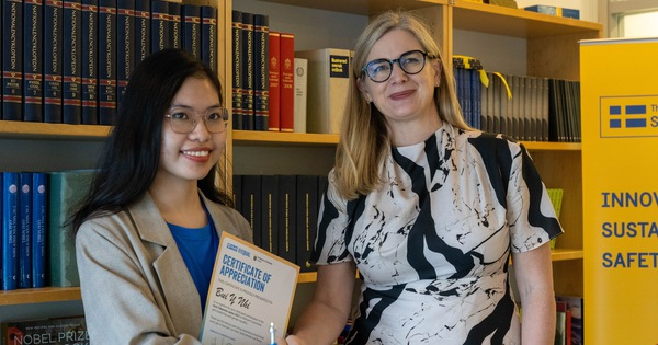 Đại sứ Thụy Điển cùng bạn trẻ Việt kêu gọi trao quyền cho trẻ em gái