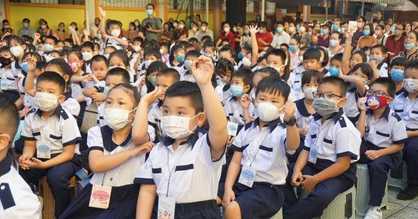 TP.HCM đề xuất chi 427 tỉ hỗ trợ học phí cho học sinh