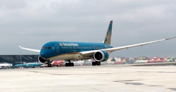 Tăng tần suất máy bay, tàu hỏa, nới lỏng điều kiện phòng dịch với hành khách