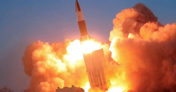 Triều Tiên tiếp tục phóng tên lửa đạn đạo ở khu vực có tàu ngầm