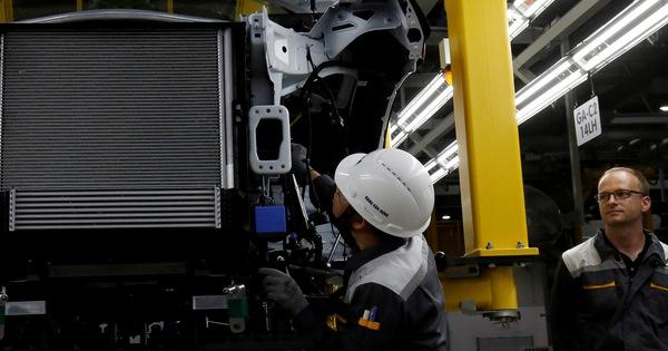 Foxconn muốn mua dây chuyền sản xuất xe điện, VinFast chỉ muốn hợp tác