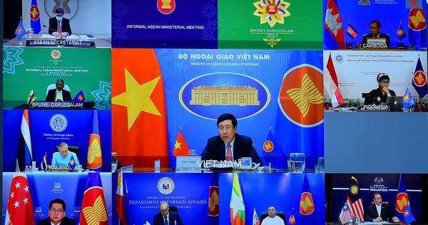 Myanmar bị thúc ''mở cửa'' cho ASEAN, Việt Nam kêu gọi kiềm chế tối đa