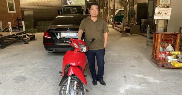 Chủ xe Mercedes bị va quẹt không bắt đền mà còn tặng tiền và xe máy mới cho người tông mình!