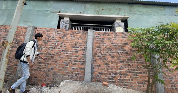 Xây tường rào chắn ngang cổng nhà hàng xóm, còn chi tình làng nghĩa xóm?