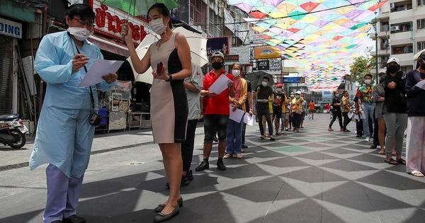 COVID-19 tăng ở Thái Lan, cảnh báo lên tới 10.000 - 20.000 ca một ngày