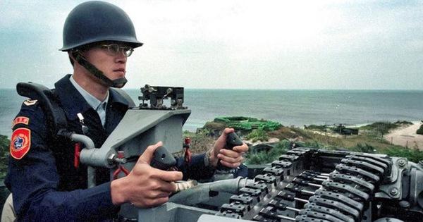 Đài Loan dọa nổ súng bắn hạ máy bay không người lái Trung Quốc nếu đến gần Đông Sa