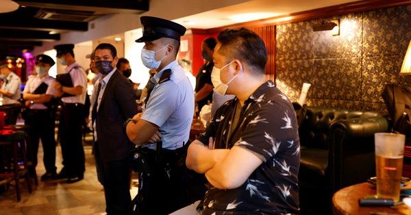 Bloomberg: Hàng triệu người Hong Kong từ chối vắc xin COVID-19 miễn phí