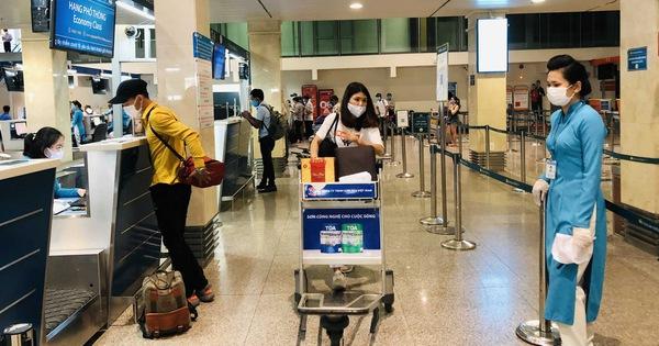 Khách hủy chuyến bay, hãng bay 'ẵm' luôn tiền phí cảng, chỉ mình Vietravel Airlines trả lại?