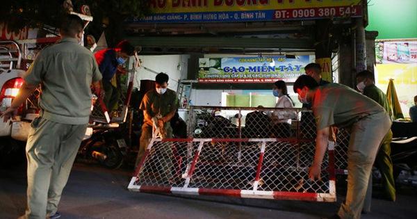 Công an TP.HCM bắt 2 người tổ chức cho 11 người nước ngoài nhập cảnh trái phép