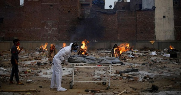 Hàng cứu trợ quốc tế liên tiếp tới Ấn Độ trong lúc ca bệnh tăng kỷ lục