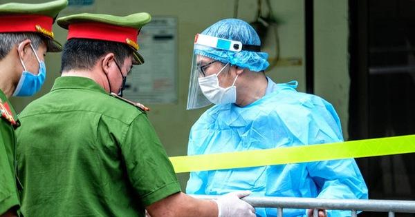 Ba người thân cùng mắc COVID-19 tại Hà Nội