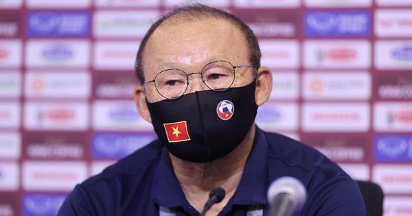 HLV Park Hang Seo: 'UAE là đội số 1 bảng đấu'