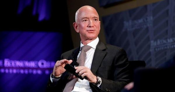 Có người đã trả 28 triệu đôla để bay vào vũ trụ cùng Jeff Bezos